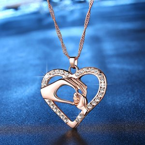 2019 Cubic Zirconia Mom Necklace Baby Heart Pendant Daughter Son Child Family Love Jewelry Friends Birthday Mother Days Gift