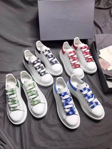 Wholesale 2019 New fashion luxury designer women Casual shoes for mens loafers men sneakers dress canvas running shoe platform outdoor trainers
