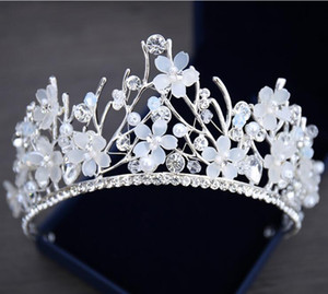 Wholesale Bling Beaded Crystal Wedding Crowns 2019 Cheap Bridal Diamond Jewelry Rhinestone Pearls Headband Hair Crown Girls Women Proms Party Tiaras
