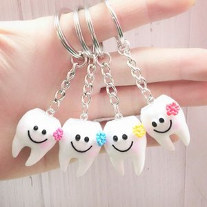 Wholesale Simulation Cartoon Teeth Keychain Dentist Decoration Key Chains Resin Tooth Model Shape Key Rings Dental Clinic Gift