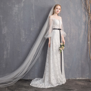 The new light dress the bride married a word shoulder in Europe and the contracted show thin tail on Sale