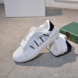 Wholesale With box Genuine Leather Men Luxury Designer Shoes Mens Womens Iridescent Triple Black Silver Snake Skin Tail Fashion Sneakers heng