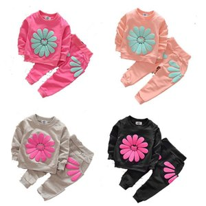 Spring Autumn INS Little Girls Tracksuits Long Sleeve Flower Cartoon Bear Designs 5 Colors Sweatershirts with Pants 2pieces Child Clothing on Sale