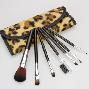 ingrosso ombretto delle donne-7pc set Leopard Makeup Brushes Cosmetics Foundation Blush Eyeshadow Brush Kit Kit Donne Cura del viso Strumenti di bellezza con Leopard Bag GGA2226