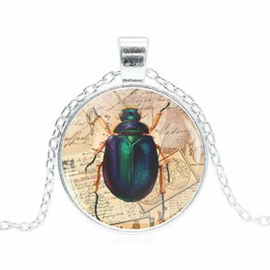 Wholesale Vintage Victorian Insect Time Gemstone Necklace Convex Glass Alloy Pendant Creative Europe and America Hot Sale Trinkets