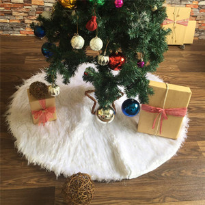 Wholesale 30 quot Christmas Tree Skirts White Luxury Faux Fur Tree Ornaments Plush Xmas Tree Skirt New Year Party Christmas Decoration JK1910