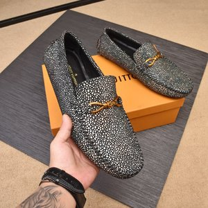 Wholesale New Luxury brands full rhinestone handmade Designer men loafers wedding and party men shoes European Style smoking slipper men s flats