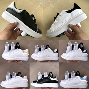 Wholesale Fashion Platform UK Luxury M Reflective Snake Skin mens womens casual shoes Genuine Leather Iridescent Laser Triple black designer sneakers