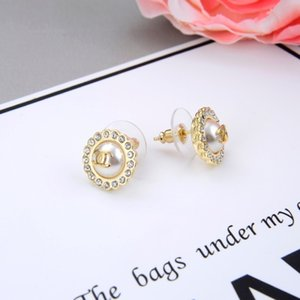 Wholesale Women s jewelry fashion classic hot and elegant zircon pearl earrings