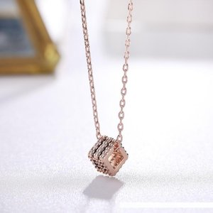 Wholesale Fashion Girls Clavicle Chain Small Squares Necklace Niche Rose Gold Zircon Necklace Simple Pendant Necklaces