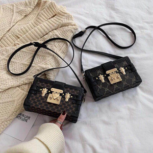Wholesale diamond lattice chain handbag resale online - clutch Box Handbags for women Evening Bags Excellent Quality Leather purse Fashion Box Brick Messenger lady Shoulder Bag