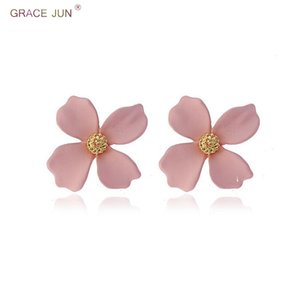 Wholesale GRACE JUN Yellow and Pink Color Flower Shape Clip on Earrings for Women Fashion Leaf Clover Spray Paint Pierced Earrings New