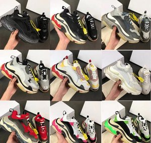 Mens Paris Designer Luxury Shoes 17FW triple s Sneakers Layer Combination Fashion Triple S Casual Retro Day Sport Shoes Women running shoes on Sale