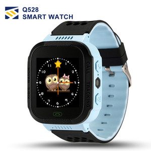 Wholesale Cute Sport Q528 Kids Tracker Smart Watch with Flash Light Touchscreen SOS Call LBS Location Finder for kid Child pk Q50