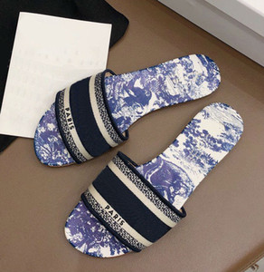 2020 new Designer Leather Ladies Sandals Summer Flat Slipper fashion beach woman Big head Slipper Rainbow letters slippers with box