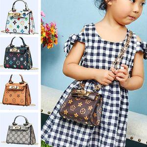 2020 Kids Girls Designer Handbag Leather Purse Chain Bag Brand Crossbody Fanny Pack Shoulder Bags Messenger Bags Princess Party Totes LY8033