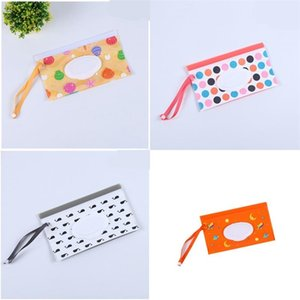 Wholesale types babies clothes resale online - Baby Wipes Storage Bag Wet Towel Zipper Bags Plastic Printing Portable Handbag Container Rectangle Mom Women dh C2