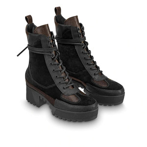 flores de invierno al por mayor-World Tour Desert Boot New Women Designer Boots Platform Boot Boot Boots Boots Woman Flamingos Medal Momens Martin Botas con caja
