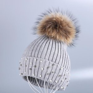 ingrosso animale del visone-Real Design Donne Pompon con cappello New Mink Animal Berryies Winter Lana Color Solid Cashmere Warmer Fur Skullies Qdxul