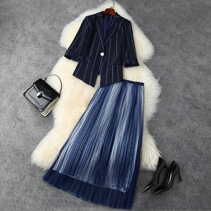 European and American women's wear 2020 winter new style striped coat with five-point sleeves Pleated gauze skirt Fashion suit