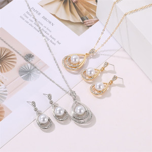 Wholesale droplet earrings resale online - Droplet Type Artificial Pearl Earrings Hollowing Out Rhinestone Necklace Ear Studs Two Piece Set Lady Bride Fashion Accessories jd P2