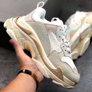 Wholesale lace old fashioned shoes resale online - Top Quality FW Retro Black Triple S Sneakers Mens Fashion Vintage Kanye West Old Grandpa Trainers Mens Womens Casual Shoes Size