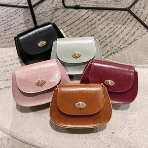 Wholesale shoulder bracelet resale online - 2021 Shipping End Elegant Shoulder High Designer Style Free Bag Fashion Popular Women s Bracelet Ring Painted Flip Messenger Belt B Xkhhd