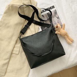 Wholesale big bears for for sale - Group buy Female High Quality Bucket Bag For Women Vintage Shoulder Bag Big Capacity Crossbody Little Bear Shopping Handbag Purse