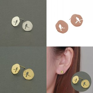 Wholesale bird drawing resale online - Fashion circle hollow out bird stud earrings creative design of bird shape gap stud earrings drawing on the surface stud earring K2