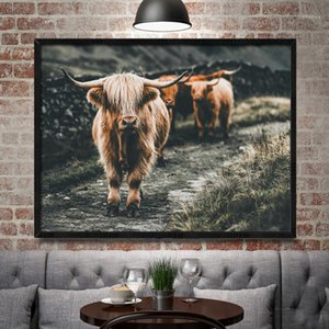 ingrosso highland cow art-Bianco e nero Highland Cow Bestiame Wall Scotland Art Nordic Painting Poster e stampa Scandinavian Wall Picture per soggiorno1