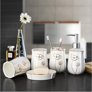 china seife großhandel-Mode Bone China Badezimmer Set Keramik Badezimmer Liefert Kit Zahnbürste Tasse Kit Hochzeit Geschenke SOAP Teller Zahnbürste Halter1