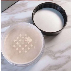 Dropshipping hot sale Foundation Loose Setting Powder Fix Makeup Powder Min Pore Brighten Concealer in stock