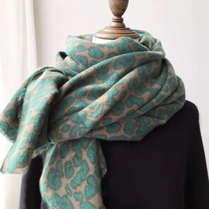 grüne kaschmir pashmina großhandel-Leoparden Print Pashmina Schal Cashmere Decke Tücher Vintage Avocado grün verdickte warme Frauen Winter Wrap Damen Mode