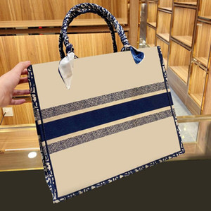 2021 new top shopping bag handbag bags fashion bags designer unisex canvas shoulder bag black woven shopping bag No shipping