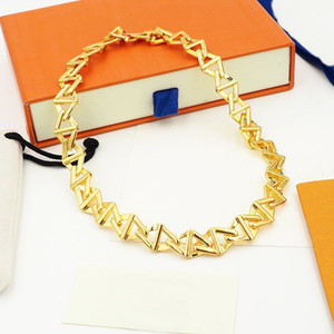 Europe America Style Jewelry Sets Lady Women Engraved V Initials Volt Curb Chain Necklace Earrings Bracelet Sets Q94524 Q95974