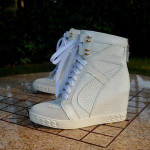 lady hot photos großhandel-Ins heiße Dame High Top cm innere Ferse Lace Up Turnschuhe Weiße Schlange Leder High Top Lace Up Frau Turnschuhe Echte Fotos