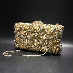 Wholesale corrugated metals for sale - Group buy Diamond ladies bag new cat s eye diamond four leaf flower bag corrugated metal crystal evening handmade