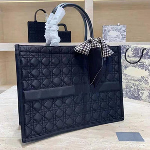 Wholesale unisex handbags resale online - 2021 new top shopping bag handbag bags fashion bags designer unisex canvas shoulder bag black woven shopping bag No shipping