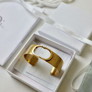 2020 bracelet women's elegant all-match exaggerated letter opening adjustable bracelet Internet celebrity
