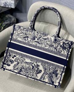 Customizable Name Best Quality Designer Bags Book Tote Shopping Bag Grey Tiger Embroidery Original Canvas Tote Big Capacity Trip Handbag
