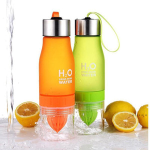 Wholesale shaker bottles resale online - 13Color Creative Fruit Juice Infuser Water Bottle Kettle ml H2O Plastic Portable Lemon Juice Water Outdoor Shaker Sport bottle EWF5283