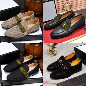 ingrosso oxfords scarpe donna-Brand Men Dress Shoes Shoes Flat Donne Shoe Casual Shoe di Alta Qualità Business Ufficio Oxfords Genuine Pelle Designer Metal Fibbia in metallo Mocassini in pelle scamosciata