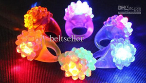 Wholesale LED Flashing Strawberry Finger Ring Bar DJ Rave Toys Light Up Elastic Rubber Blinking Ring for Prom Party Christmas Gift