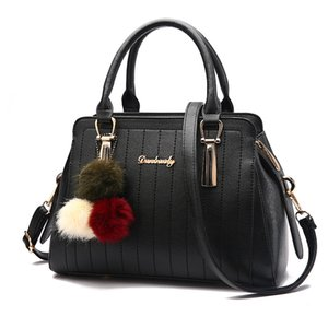 Wholesale 2017 new aristocratic ladies handbag fashion tide bag shoulder stripe mosaic diagonal bag