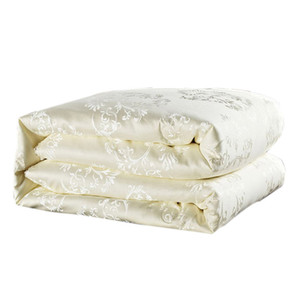 королева одеяла оптовых-comforter white mulberry silk filling duvet quilted quilt summer winter warm comforters king queen size bedding quilts