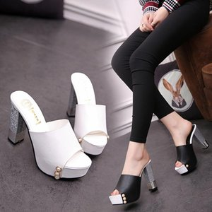 Wholesale Fashion shoes outside wear high heels female rough with summer cool slippers wild spring and summer new in the sandals