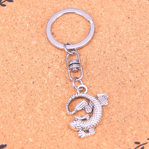 New Arrival Novelty Souvenir Metal gecko lizard Key Chains Creative Gifts Apple Keychain Key Ring Trinket Car Key Ring