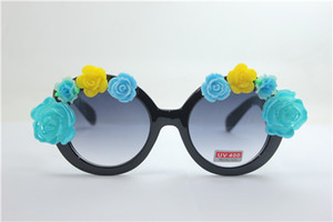 Wholesale Drop quality NEW summer round black frame blue and yellow rose flower clay flower UV plastic sunglasses