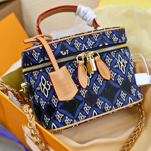 Wholesale denim bag patterns resale online - Cosmetic Case Chain Shoulder Bags Purse Fashion Canvas Denim Series Patchwork Embroidery Pattern Zipper Lock High Quality Full Letter