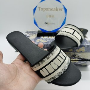 Wholesale hunter green heels resale online - Women Sandals Paris Slippers Summer Girls Beach Slides Flip Flops Loafers Sexy Embroidered Black White Red Green Blue With Box
